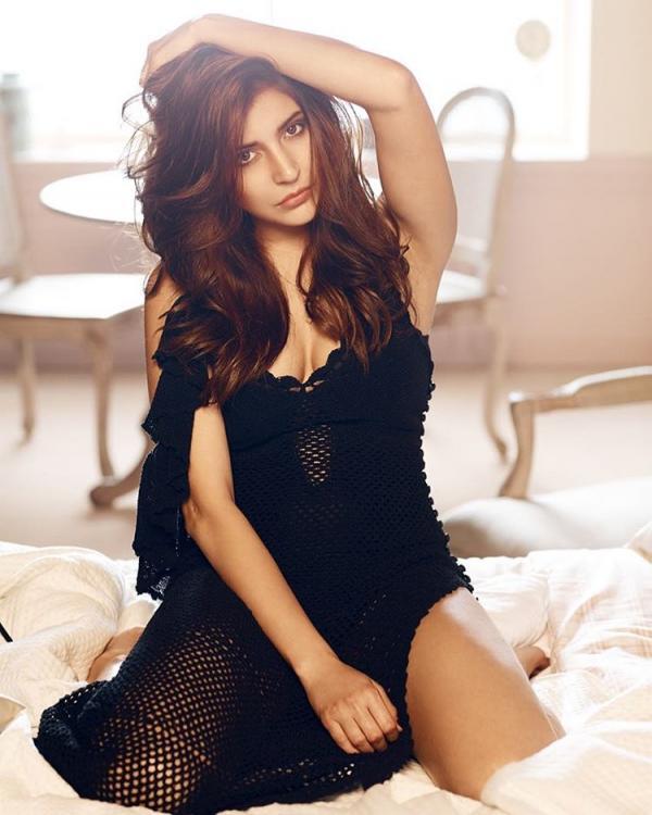 anushka-sharma-bikini-photo Actress Anushka Sharma Age Weight Decide Bikini Pictures Wiki